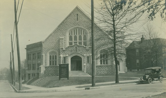 1916 photograph of the current sanctuary and educational wing